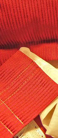 Stoff-Dekor rot-beige